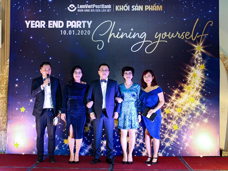 xu-huong-tiec-cuoi-nam-year-end-party-2020