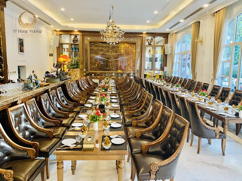 Nhà hàng tổ chức tiệc tại Hà Nội với không gian sang trọng, ấm cúng