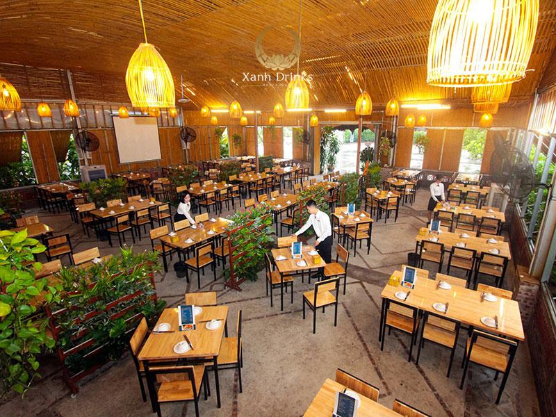 Không gian tổ chức tiệc rộng rãi tại nhà hàng Xanh Drinks